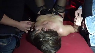 Slutwife swallows plenty of loads