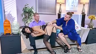 Slutty MILF is enjoying wild threesome