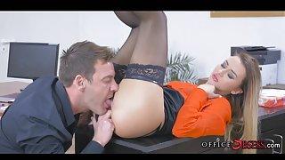 Fucking European Babe in Stockings during Lunch Hours